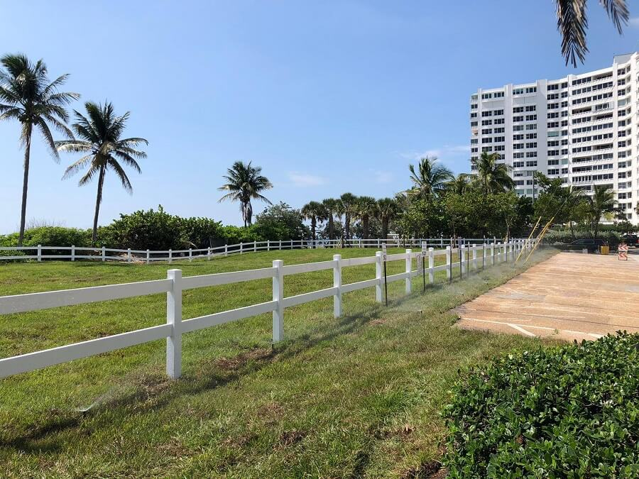 A Vinyl PVC fence we installed in the city of Hollywood, in Fort Lauderdale, FL